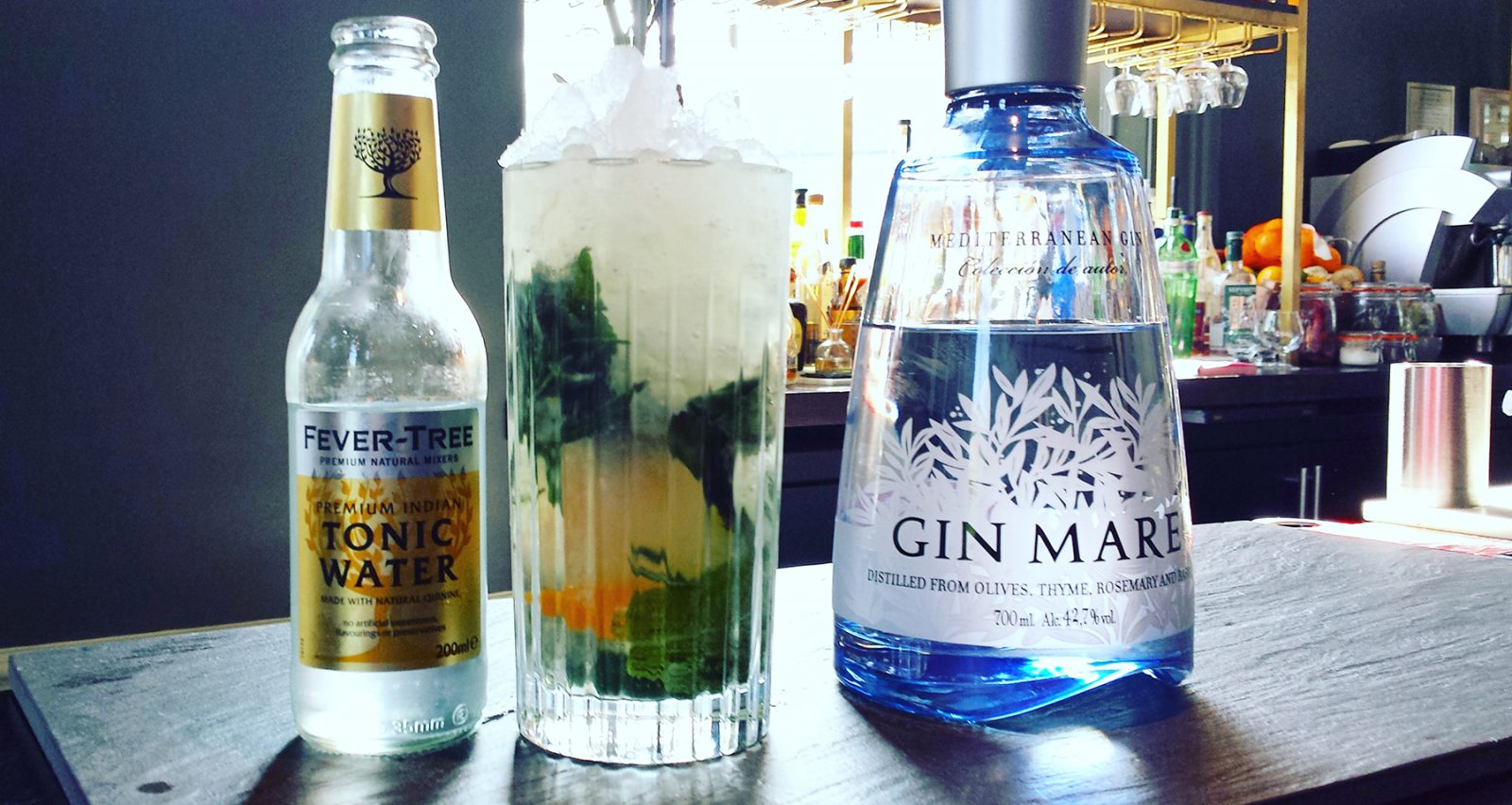 Rosemary and mint gin mojito
